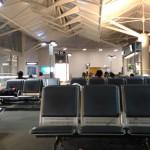 空港 長椅子
