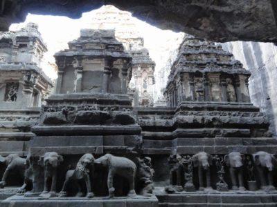 カイラーサナータ寺院 象