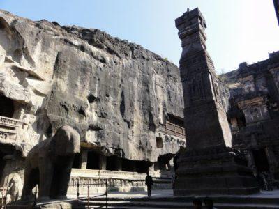 16窟 カイラーサナータ寺院