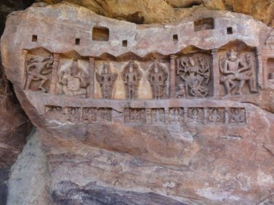 彫刻 石窟