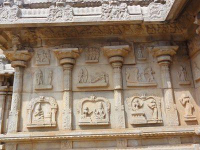 ハザーララーマ寺院
