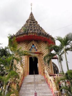 ウトムポンピサーイの寺院