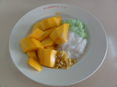 マンゴーともち米のデザート