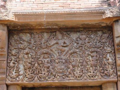 シーコラープーム遺跡の彫刻