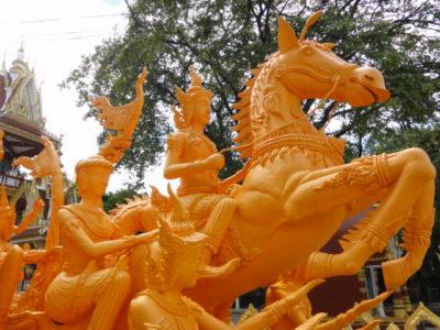 ワットノンブア 山車の像
