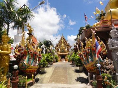寺院への参道