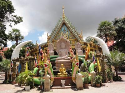 ウボン 寺院の仏像