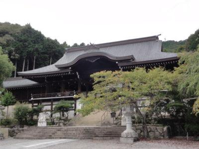 近江神宮の外拝殿