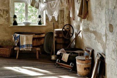 部屋の中で洗濯物を乾かす