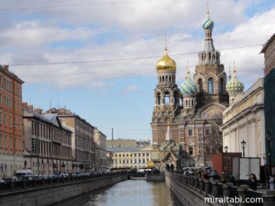 運河と教会