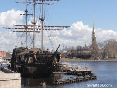 ペトロパブロフスク聖堂と船