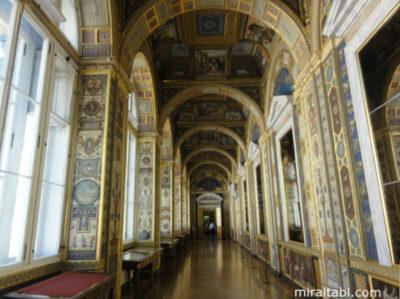ラファエロの回廊