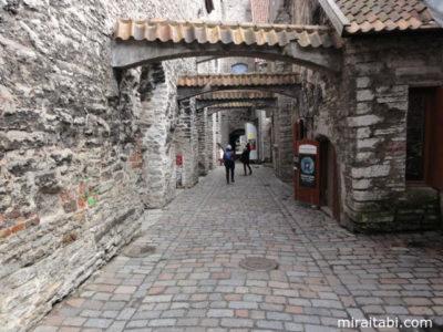 ドミニコ修道院への通路