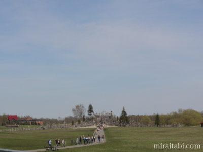 ドマンタイ 十字架の丘