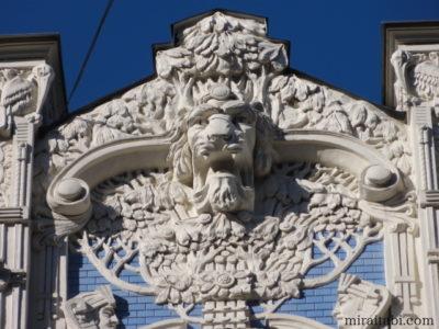 ライオンの彫像