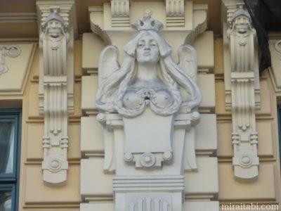 ユーゲントシュティールの彫像