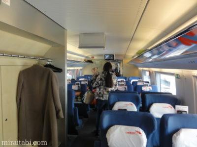 列車内の座席