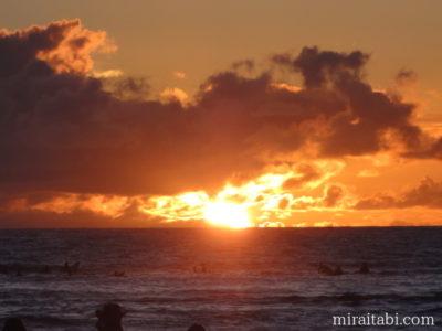 ホノルルの夕日
