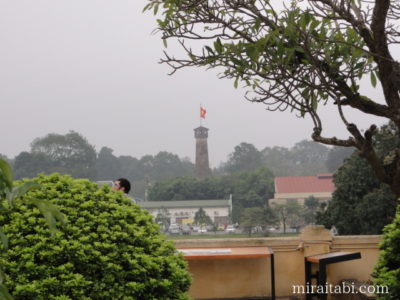 端門から見える国旗掲揚塔