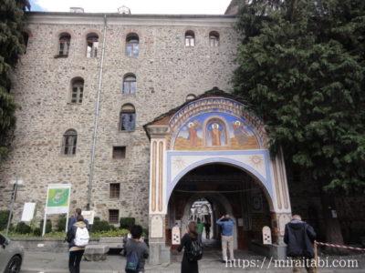リラの僧院の入り口