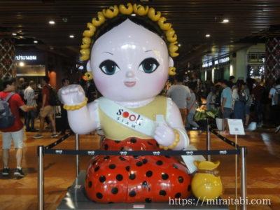女性の人形