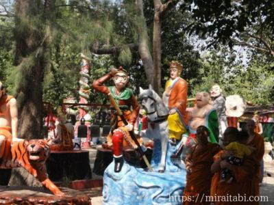 孫悟空の像