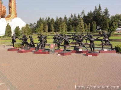 少林寺拳法の像