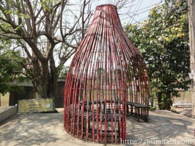 籠型の待合所