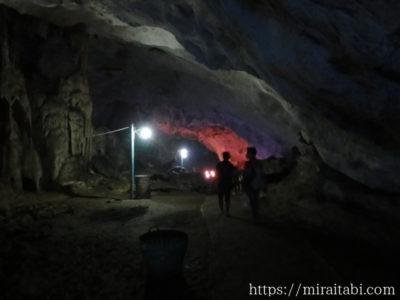 パアンのサダン洞窟