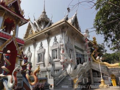 鏡張りの寺院