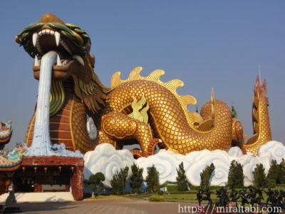 タイ・スパンブリーの巨大龍博物館