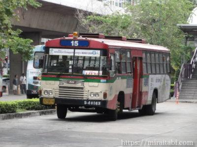 バンコクの15番バス