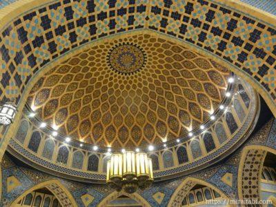 ドバイ・スターバックスの天井