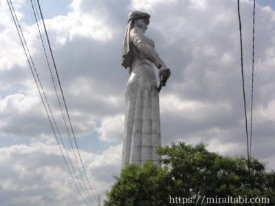 トビリシのジョージアの母の像