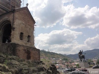 像とメテヒ教会