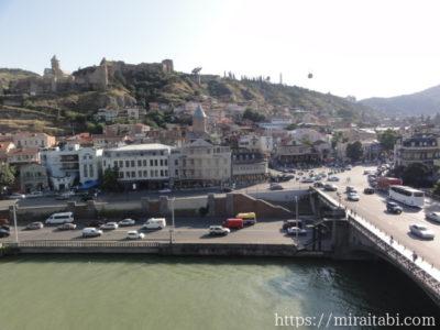 旧市街とクラ川