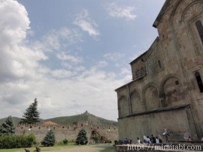 スヴェティツホヴェリ大聖堂とジワリ修道院