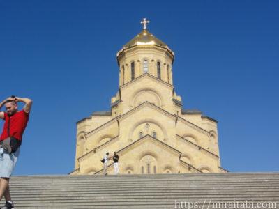 トビリシ ツミンダ・サメバ大聖堂