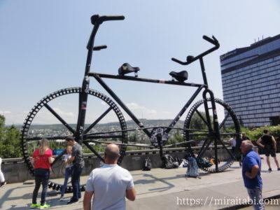 大きな自転車