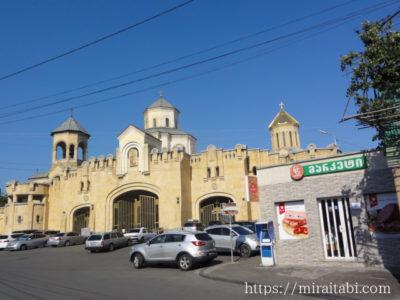 ツミンダ・サメバ大聖堂の入り口