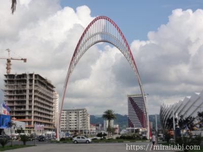 バトゥミの門