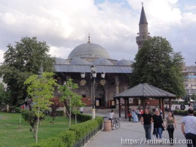 ララ・ムスタファ・パシャ・モスク
