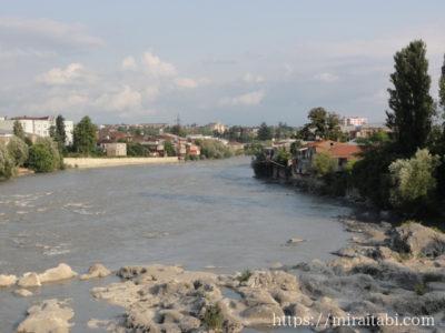 クタイシの川