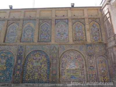 ゴレスターン宮殿の壁