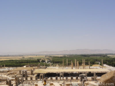 アルタクセルクセス2世王墓から見たペルセポリス遺跡