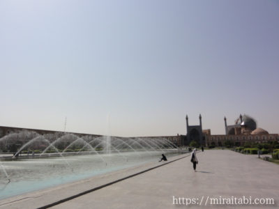 エマーム広場の噴水